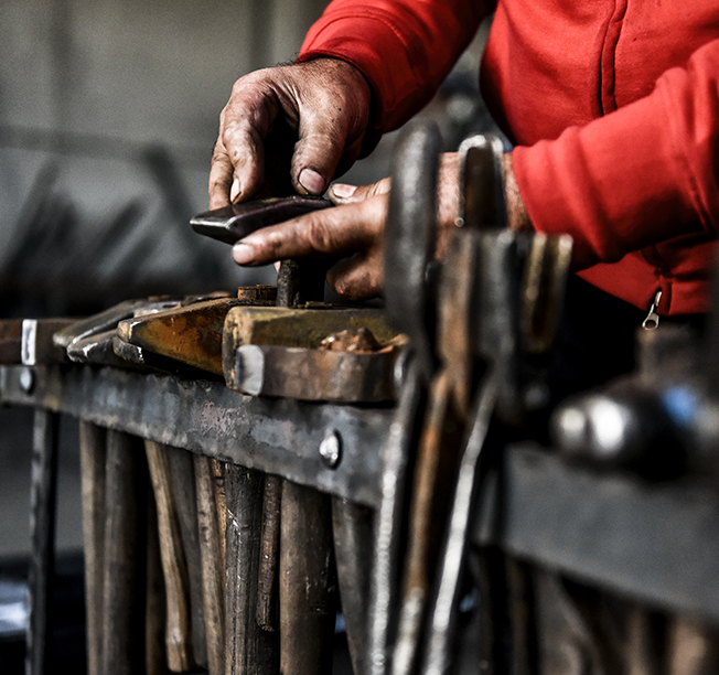 Mininno si occupa di lavorazione del ferro - Pozzolo Formigaro